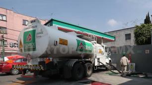 Juez ordena distribuir suficiente gasolina para los ciudadanos