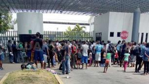 Acusan inacción de Morena para regular caravana