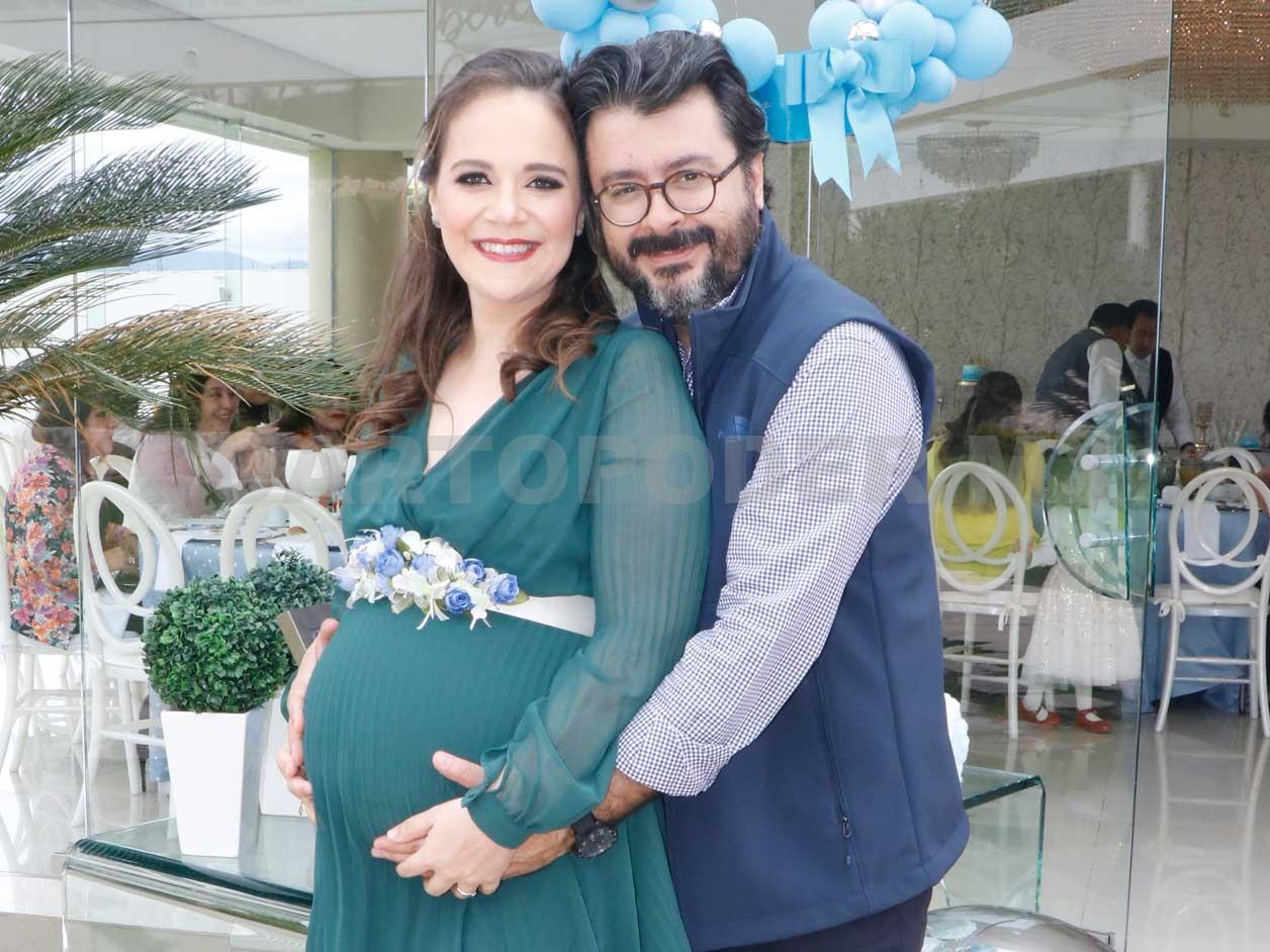 En espera de Gilberto Elías - Cuarto Poder