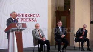 Obrador señala que medios se agrupan en su contra